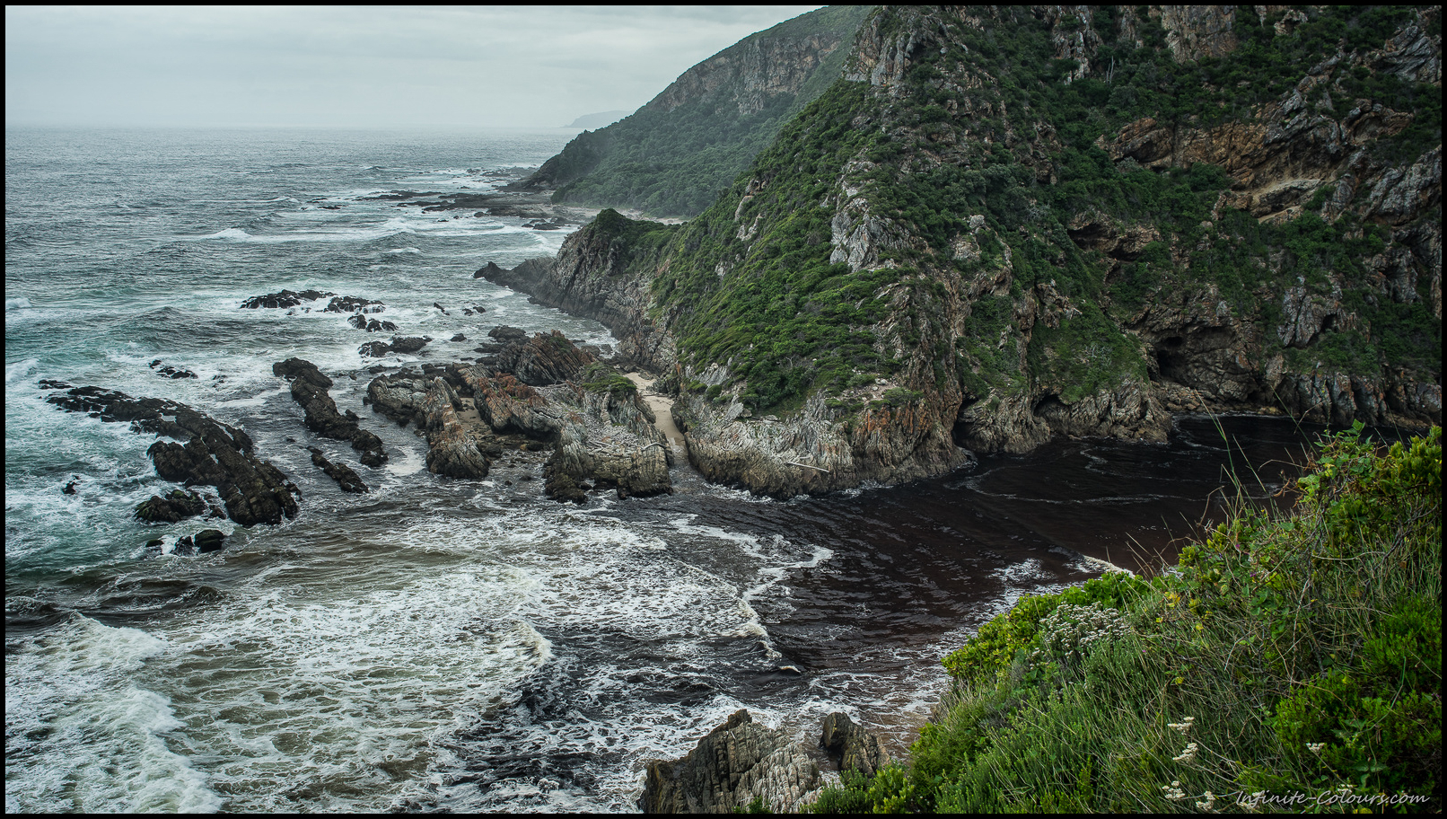 Even at lowtide, the Bloukrans greeted us with rough waves crashing in