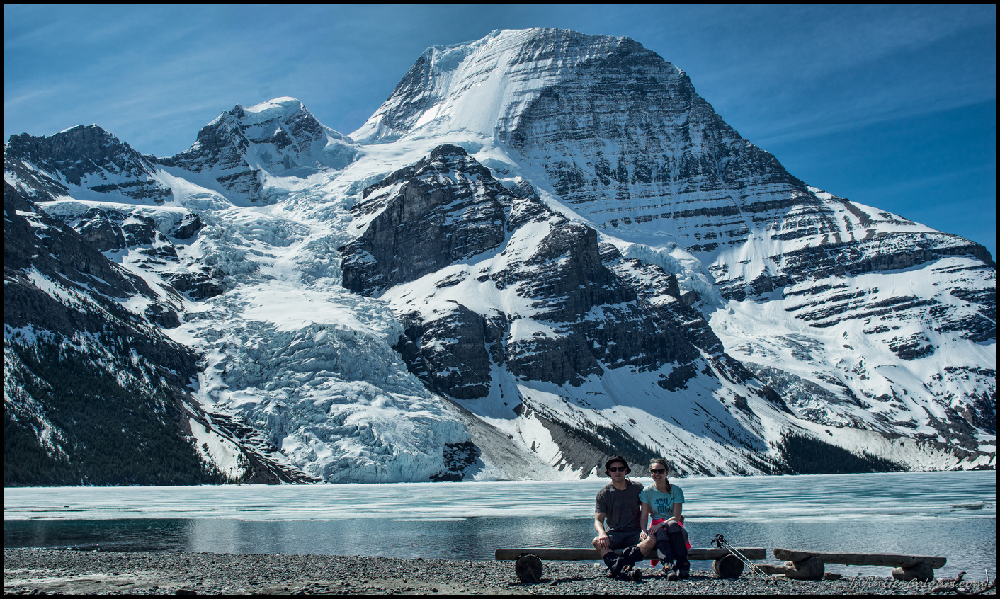 Berg Lake bench with glacier view