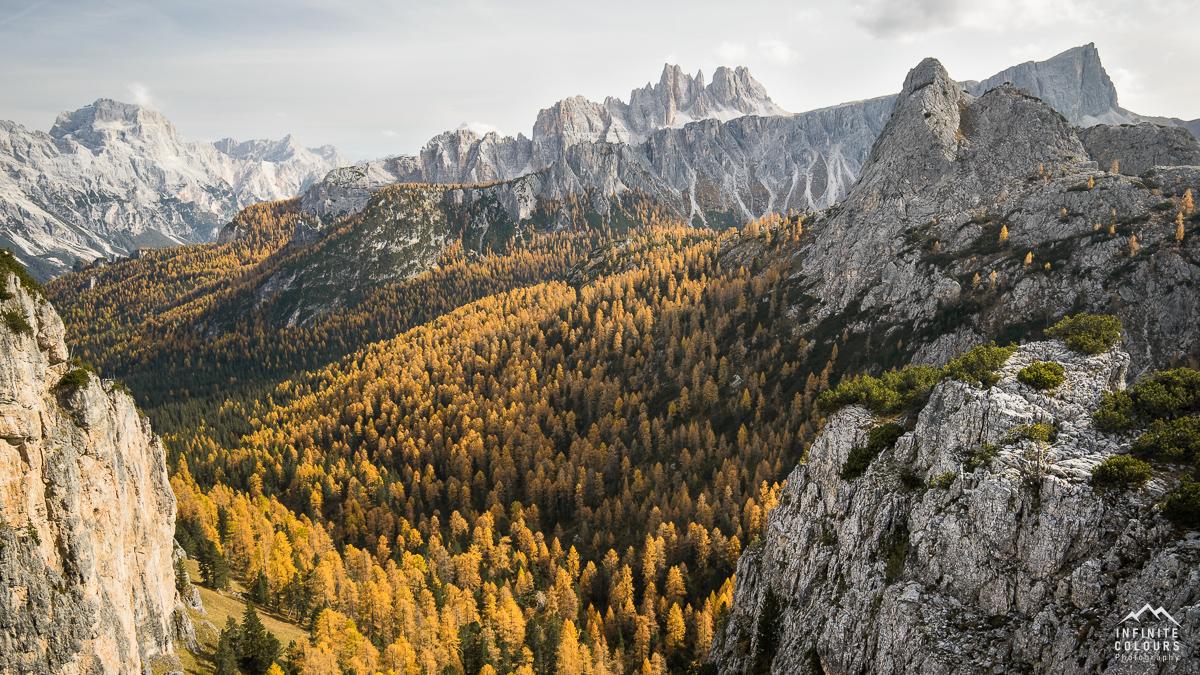Cason di Formin Cima Ambrizzona Dolomiti Ampezzano autunno golden larches dolomites goldene lärchen dolomiten über dem Passo Giau photography
