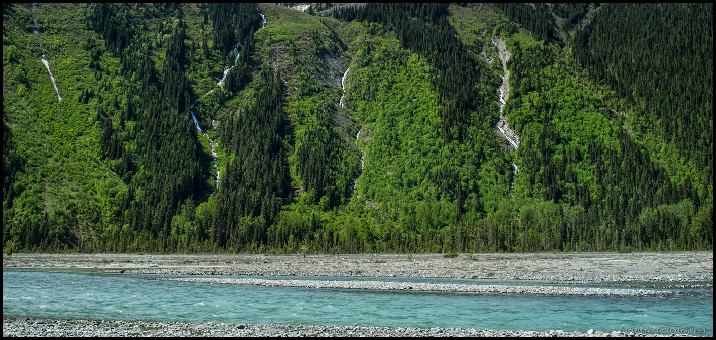 Spring runoff scenery of Berg Lake trail