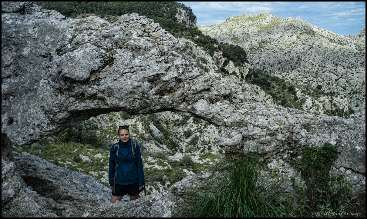 Natural rock arch on the way to S'Entreforc, Torrent de Paraeis hike