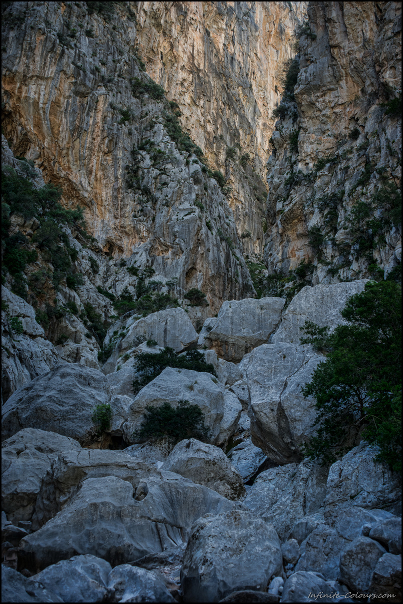 The canyon narrows and the scramble starts