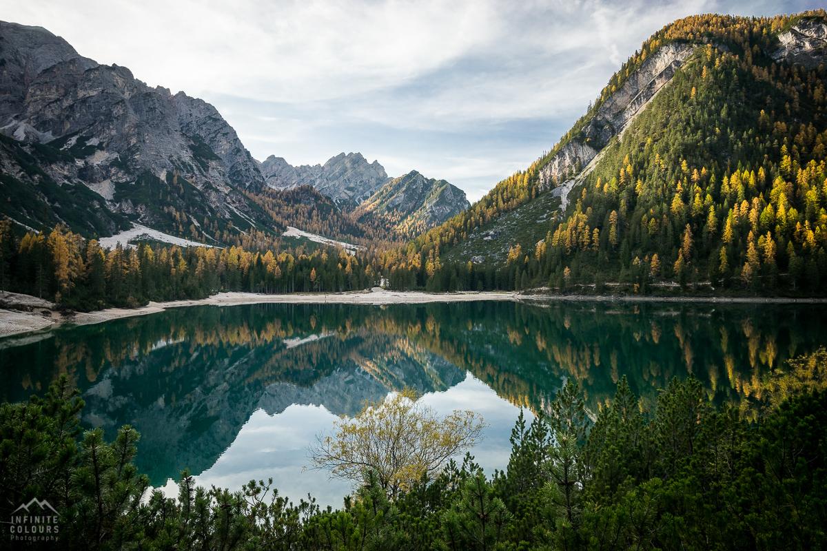 Pragser Wildsee - Lago di Braies Val di Foresta Malga landscape photography golden larches dolomites gelbe lärchen dolomiten herbst landschaftsfotografie