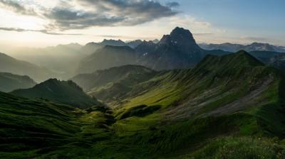 Kleinwalsertal-Grosser-Widderstein-Sonnenaufgang-Landschaftsfotografie-Blaue-Stunde-Biwak