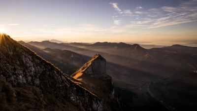 Kanisfluh-Holenke-Bodensee-Sonnenuntergang-Wanderung-Streiflicht-Hoher-Stoss