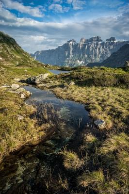 Stream from Taleggligrat into Seebodensee Sustenpass / Steingletscher, Bern landscape photography fotografie Sony A7 Minolta MD 35-70 3.5