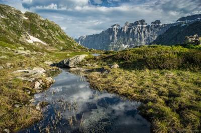 Morning clouds reflections near Seebodensee Sustenpass / Steingletscher, Switzerland landscape photography fotografie Sony A7 Minolta MD 35-70 3.5