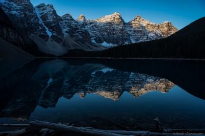 Moraine Lake sunrise Banff National Park, Canada photography fotografie Sony A7 Olympus OM 24mm 2.8
